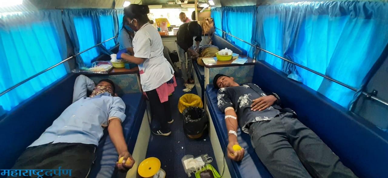 शिवशक्ती आखाडा बोरी व्दारे रक्तदान शिबीरात ४५ युवकाने केले रक्तदान