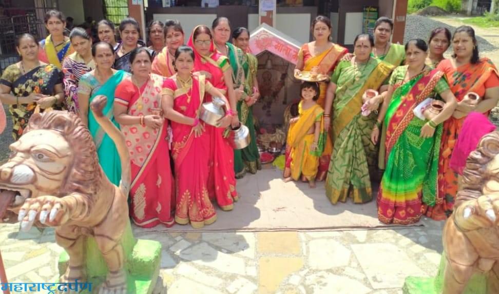 कांद्री ला महिलांनी शितला मातेला साकडे घालुनगावपुजा संपन्न केली