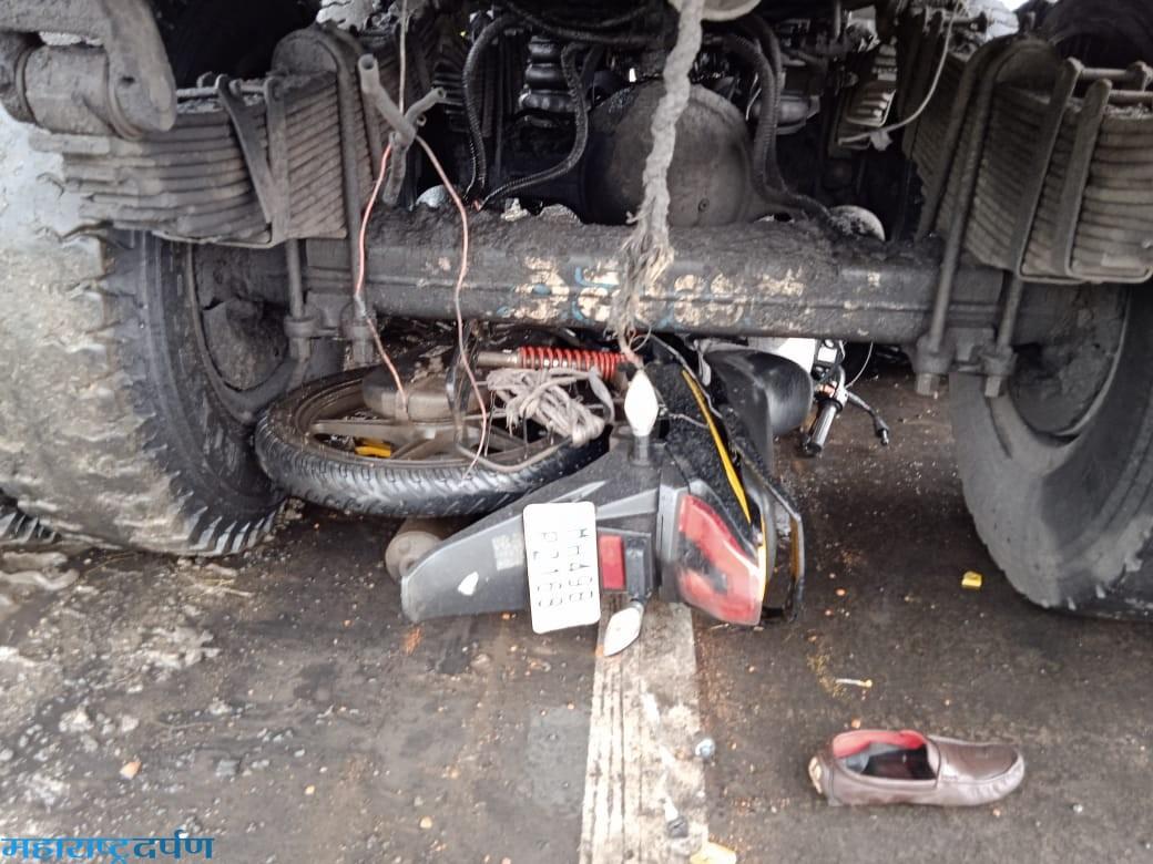 दुचाकी व ट्रक अपघातात दुचाकी चालकाचा मुत्यु
